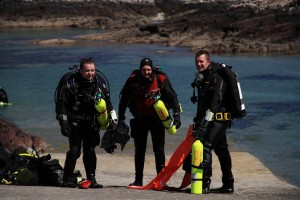 Cillian Gray, PADI Tec Instructor with two Tec students